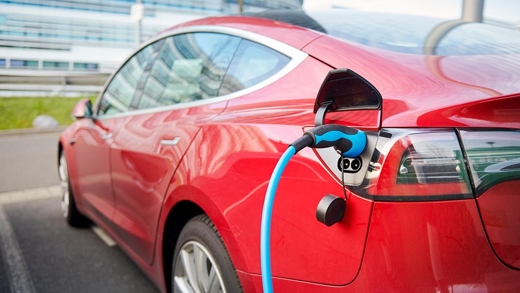 Versteuerung geldwerter Vorteile bei Hybriden und Elektroautos